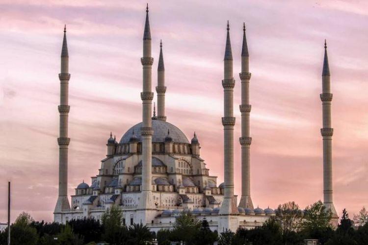 المسجد المركزي سابانجي في أضنة